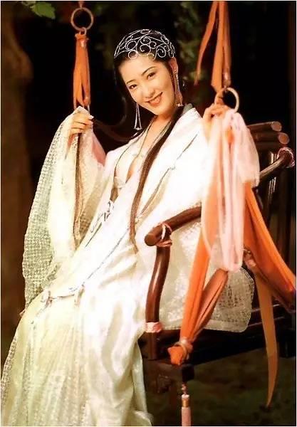 三级片潘金连电影ll_而三级片中最为经典的潘金莲角色,莫过于  杨思敏  .