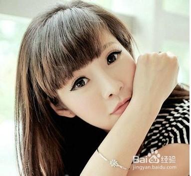 齐刘海女生发型如何设计好看图片