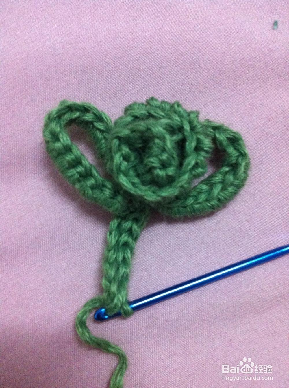 钩针编织制作漂亮的发箍  大自然的漂亮的花朵装饰在漂亮的珍珠发箍上