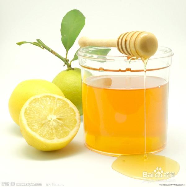 蜂蜜鸭蛋去痘印柠檬制作方法:将鸡蛋清,一小匙娃娃,3滴面膜蜂蜜柠檬菜图片