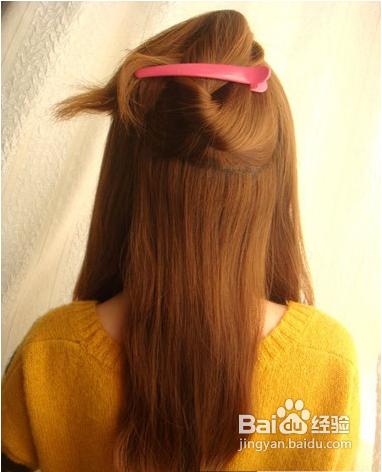 夏季简单韩式中长发盘发图解,六个步骤打造唯美度假发型.图片