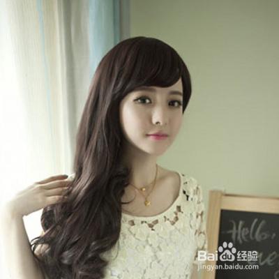 适合圆脸mm的一款短发直发就是蘑菇头,蘑菇头可以是说是减龄发型图片