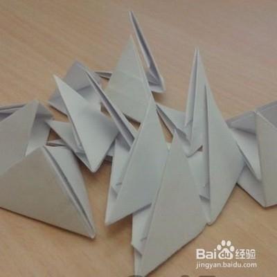a�eZ[>$��莲娜_折纸三角插天鹅