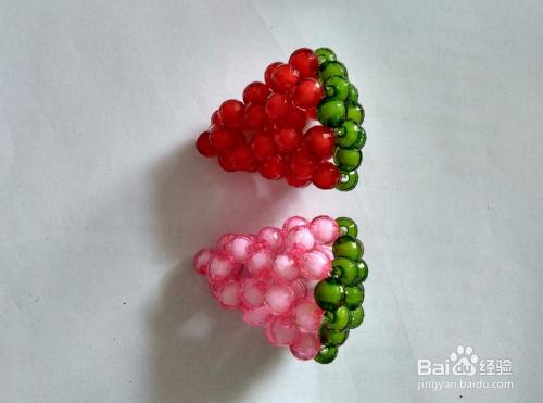 串珠草莓的编织方法