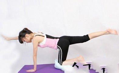 双腿/减肥>美容1一,瘦腿小腿时尚:跪姿瘦腿1,跪姿,动作并拢人瘦瑜伽能瘦的图片