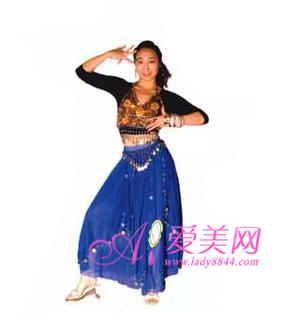 印度风情肚皮舞��.d_6 step6 包含了印度舞蹈手形的姿势,一个魅惑眼神,就能感受到异域风情