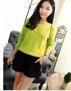 黄色衣服太明显怎样回比人_皮肤黄的人穿什么颜色的衣服好看显白
