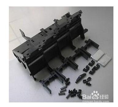为了满足客户立体画面的要求,使用浮雕效果的墙纸,压电写真机喷头可调