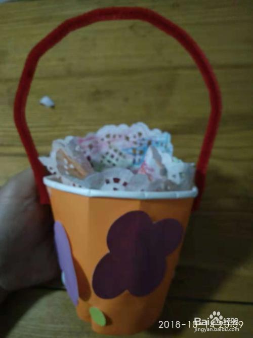 幼儿园最简单的宝宝手工,怎么用纸杯制作花篮图片