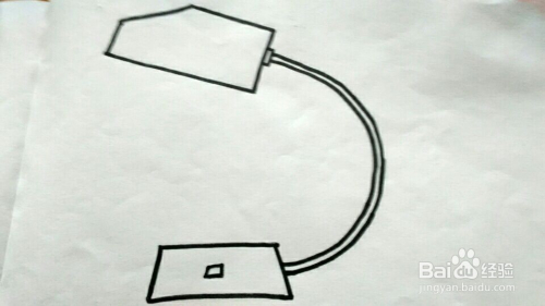 12 在以灯泡为中心的放射状直线的周围再加几条稍微短一点的直线,使图片