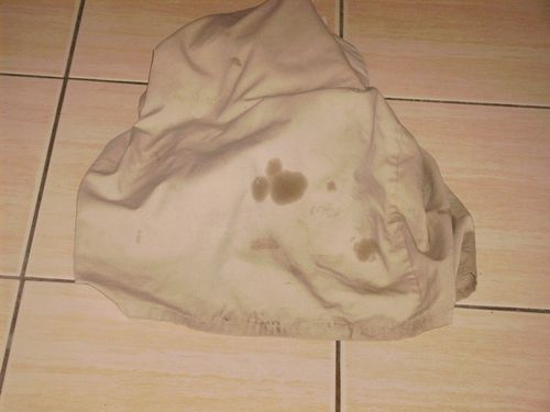 【洗衣窍门】巧除衣物上的机油渍