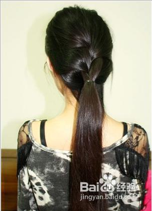 欧美直发马尾辫编发的扎法图片