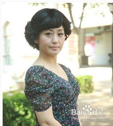中年妇女肥白抽�_中年妇女发型推荐