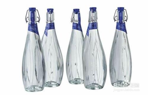 高端矿泉水品牌瓶身设计排行图片