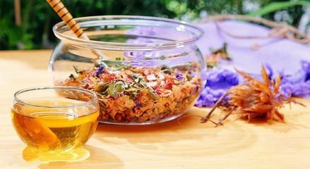 童止咳茶_桂花茶可以暖胃,同时桂花茶还可以止咳化痰,养生润肺的独特功效,经常