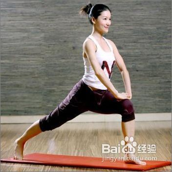 夏天快速有效的肚脐瑜伽减肥方法绕瘦腿转能瘦肚子写图片