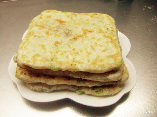 葱香千层饼_葱香千层饼