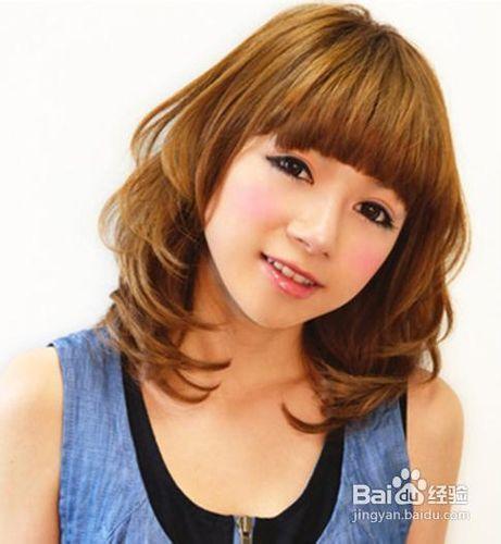 齐刘海发型最减龄甜美修颜及肩卷发图片