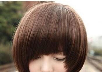 圆脸女生适合的发型图片