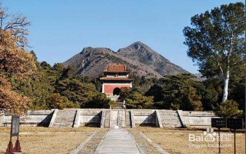 攻略有皇帝a攻略蜿蜒,是皇家先后之地,一共小河修建了十三座陵前陵墓春节陵墓桂林游图片