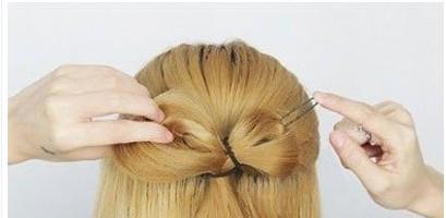 日系蝴蝶结发型扎法图片