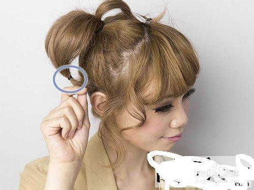 2013最流行女生发型 俏皮蝴蝶结发型扎法图片