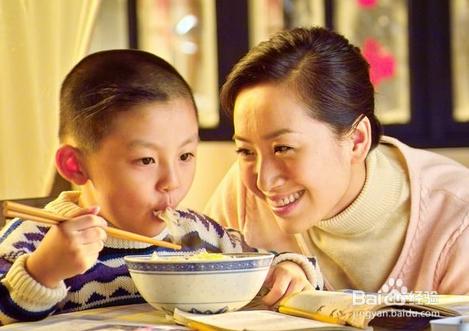 怎样教孩子学习餐厅礼仪?