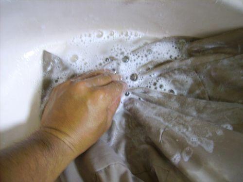 【洗衣窍门】如何去除衣服上的油渍