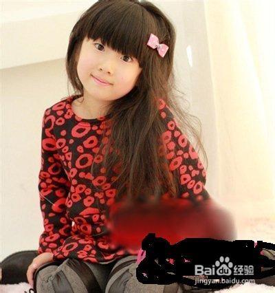 4 小女孩的发型总是让人喜爱不已,看小女生的这款双马尾发型,发尾图片