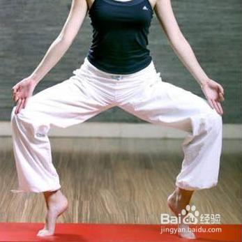 六个简单动作的v动作瑜伽之易学瘦腿天天拍脸要多久才瘦图片