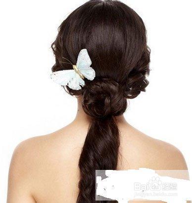 喜欢的美眉可以戴上漂亮的蝴蝶结发饰来装饰,效果会很不错哦. end图片