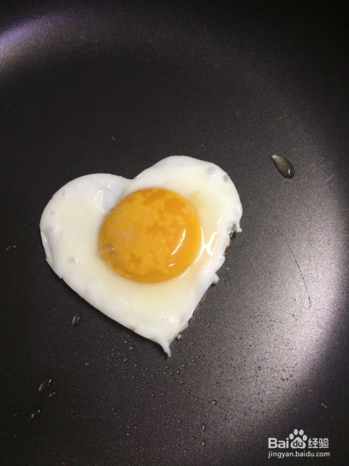 用鸡蛋模具做好看的煎鸡蛋
