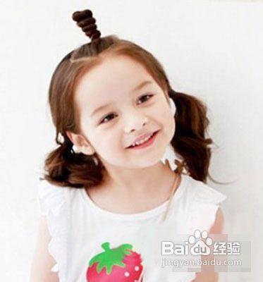 六一儿童节小女孩发型绑扎方法图片