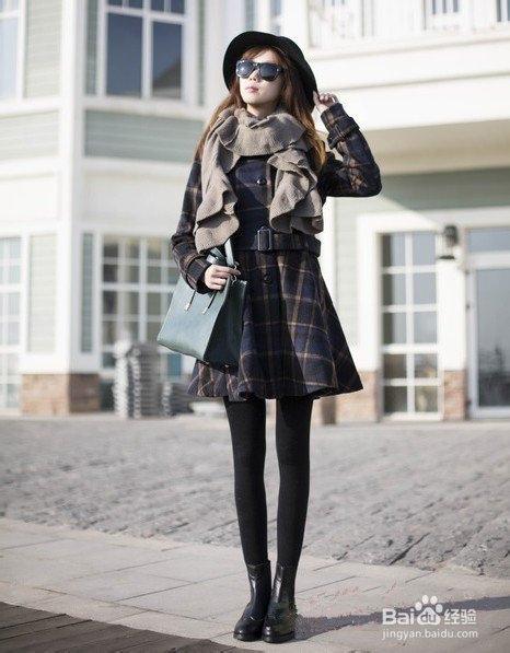 冬天怎么搭配衣服_冬季格子外套搭配穿出英伦风