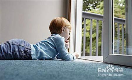 讀小學的孩子一個人在家需要注意哪些?圖片