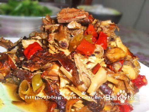 黄花公鸡炖平潭聊城美食图片