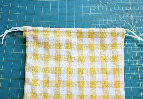 一款简单的布艺收纳袋,无纺布束口袋diy方法