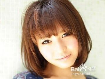 适合圆脸女短发发型图片