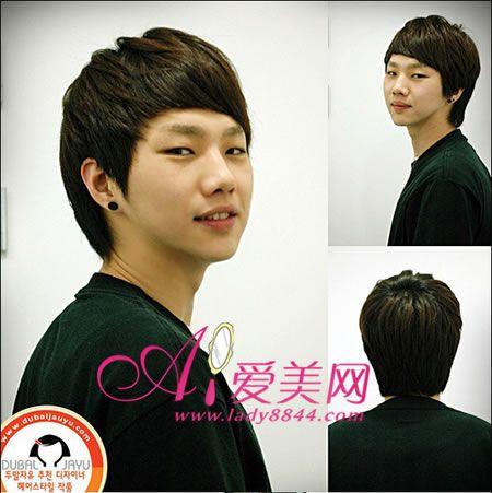 同样是一款短刘海的发型,齐刘海是今年大热的发型哦,特别是男生的短齐图片