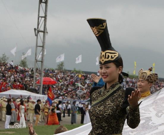 蒙古国民众服饰