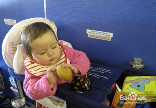 小宝宝坐飞机的一些注意事项