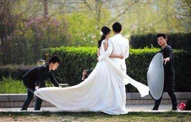 拍婚纱的注意_注意安全图片