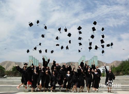 应届毕业生面试应该如何着装