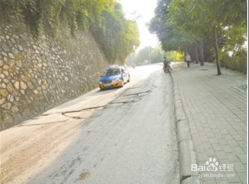 道路揚塵是怎么形成的?該如何治理?