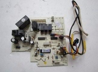 怎么拆下格力空调机主板