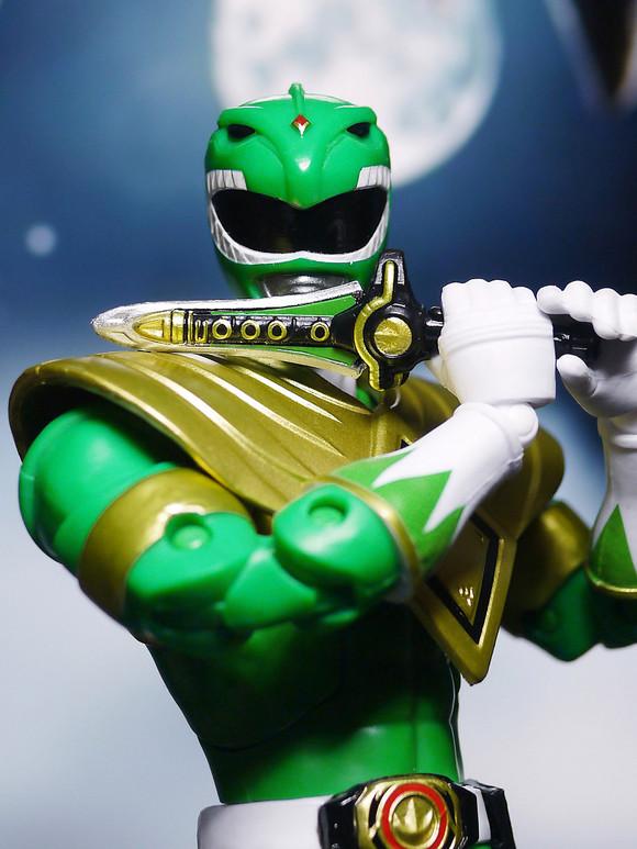 美版恐龙战队剧场版_涂装真的很不错,我和shf对比了一下,没有一处漏色,除了头盔 ...