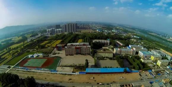 临汾新华中学-栉风沐雨百战不殆 日新月异继往开来