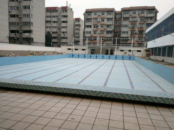 武汉大学露天泳池
