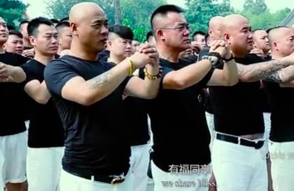"""天安社黑社会图片_河北涿州三义宫的结义仪式,是很多天安社成员""""生命里最重要 ..."""