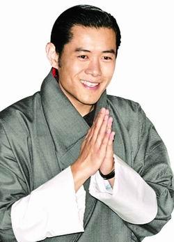 不丹王储迷倒泰国女性